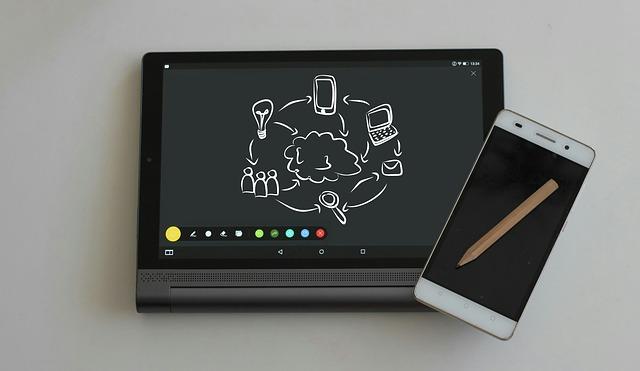 Tablet i smartfon z ołówkiem